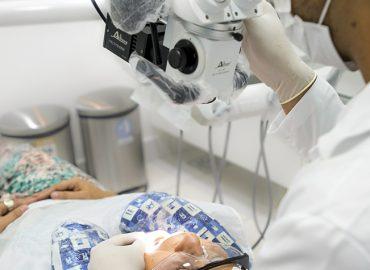Microscópio odontológico auxilia na precisão de tratamentos